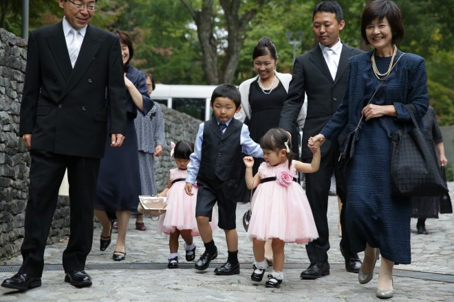 石の教会 家族
