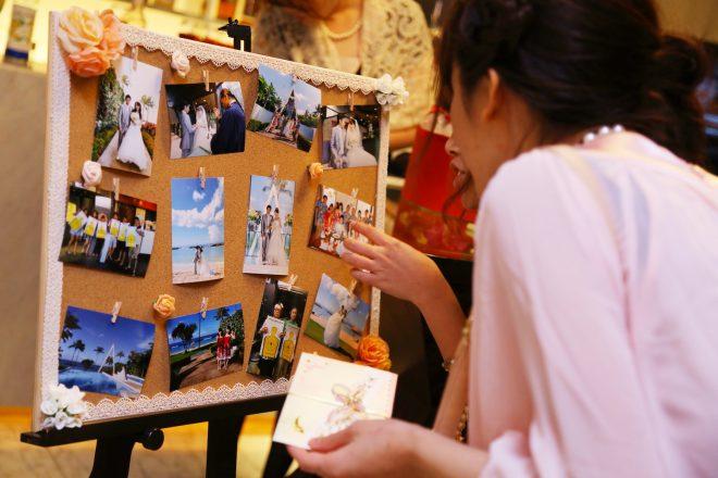 海外での挙式の写真を飾れば、注目の的です!