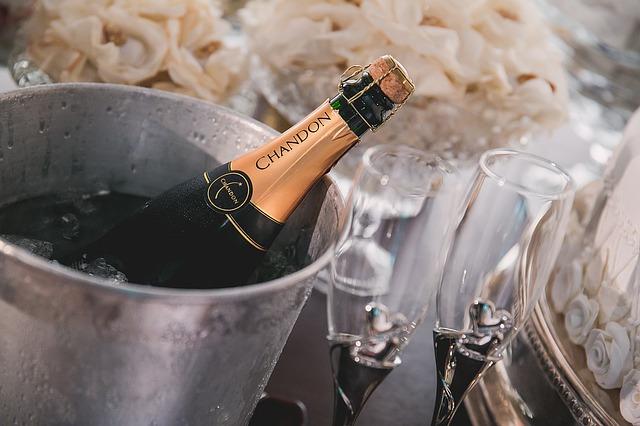 champagne-1196112_640