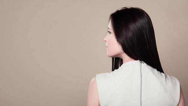 girl-from-behind-1741699_640