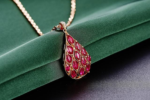jewelry-625723_640