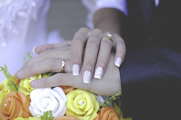 marriage-1698600_640