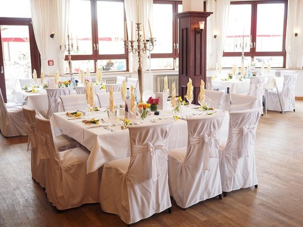 wedding-table-1174141_640