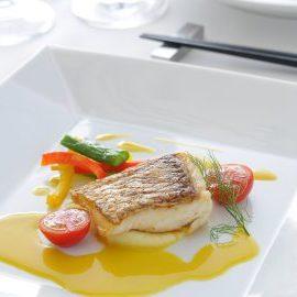 真鯛のポワレ 舞茸と貝のソース