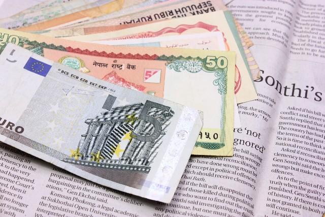 海外 お金