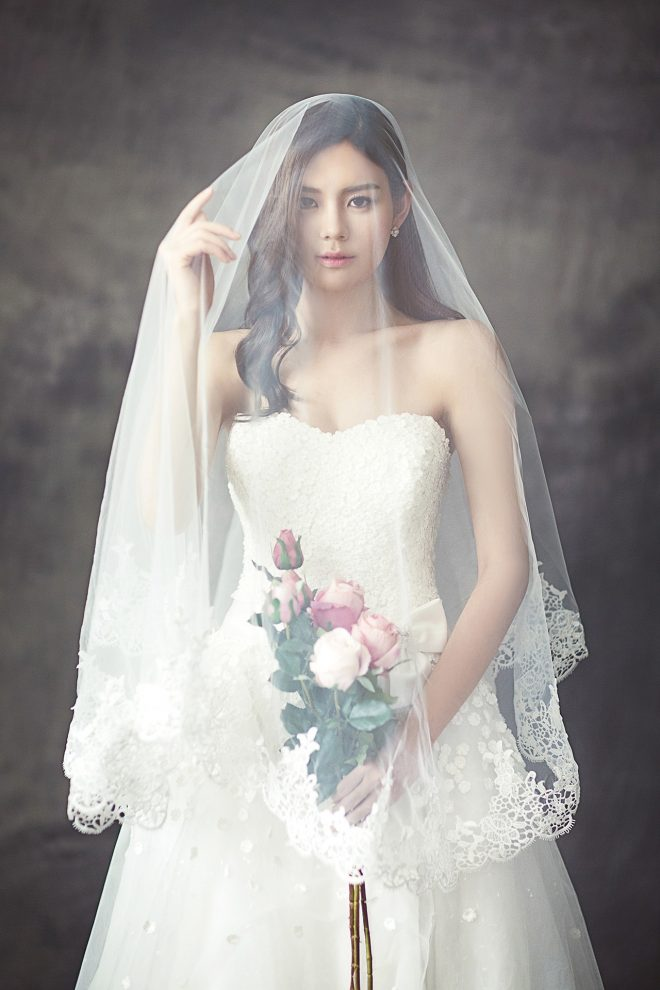 ブーケを被った花嫁