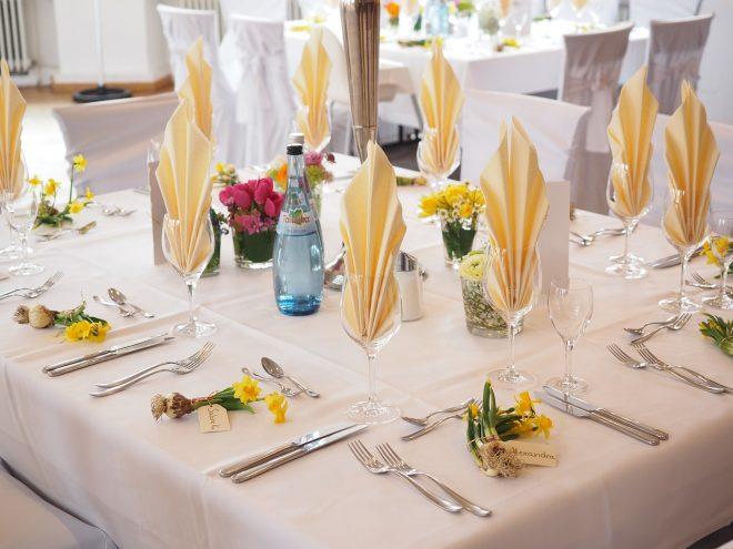 wedding-table-1174135_1280